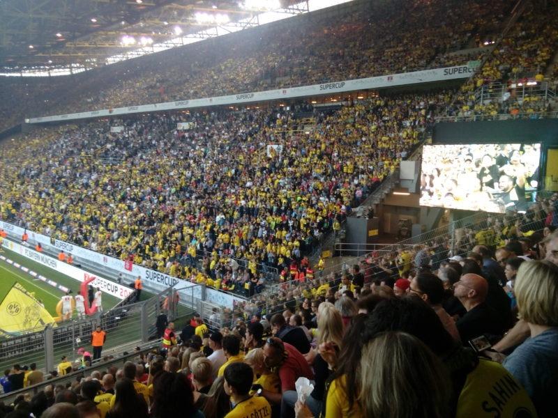 www.futbalovysen.sk