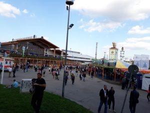 Oktoberfest-stan-Schutzen-Festzelt