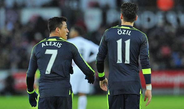 Alexis a Ozil