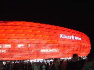 vysvietena-allianz-arena