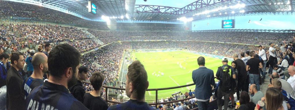 Inter-Juventus-zajazd-futbalovysen