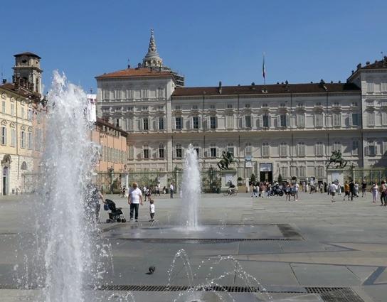 zajazd-na-juventus-piazza-castello